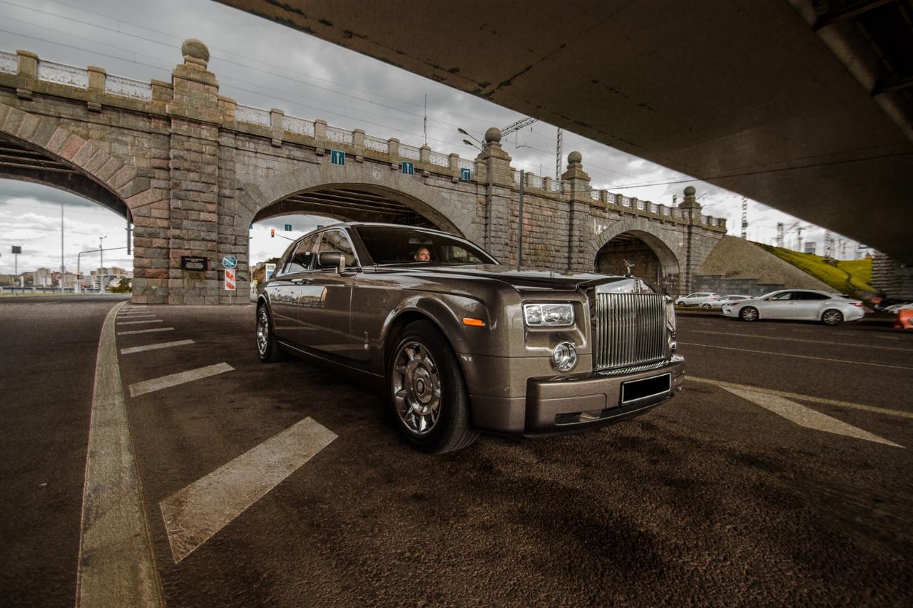 Rolls Royce в Москве с водителем