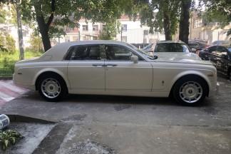Авто на свадьбу. Большой белый Роллс Ройс.