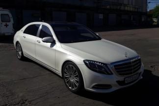 Аренда белого Maybach на свадьбу с водителем в Москве