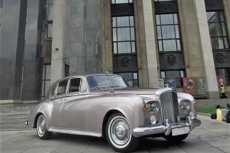 Retro Bentley S3